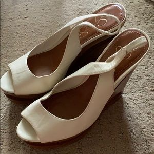 White and brown wedges